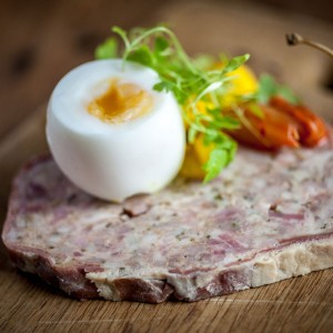 Port-Gaverne-Restaurant-ham-and-egg