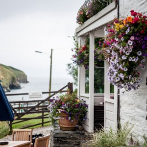 Port-Gaverne-Hotel-beautiful-location