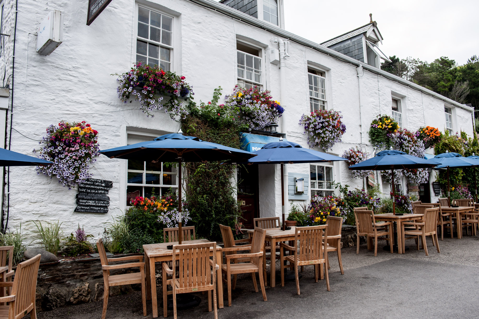 Cornwall's Top Gastropub - The Port Gaverne Hotel